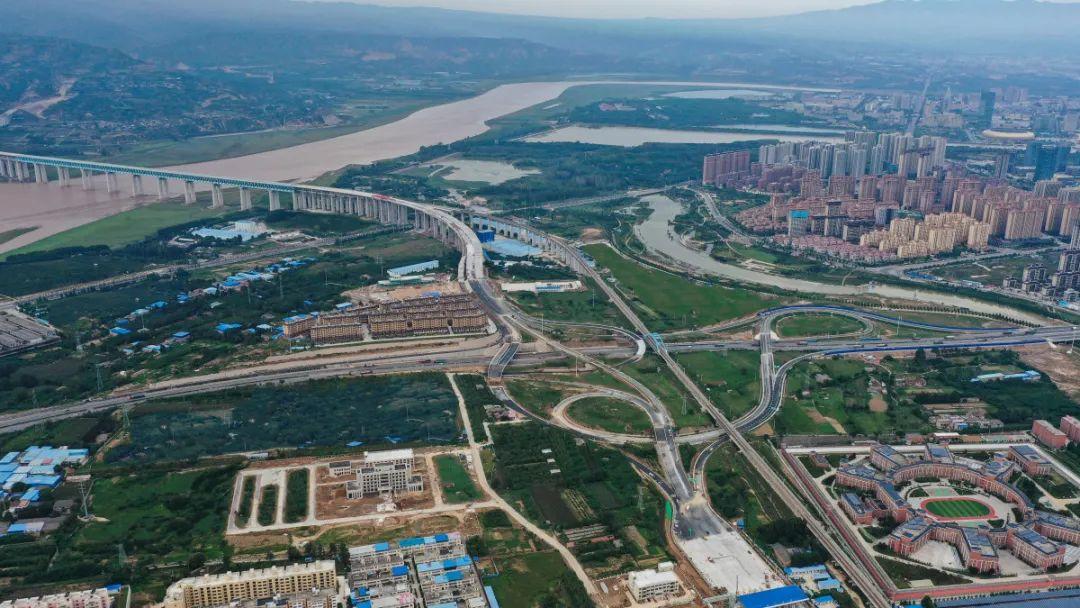 """明天,河南这两条高速将通车!一条""""最美"""",一条""""最贵"""""""